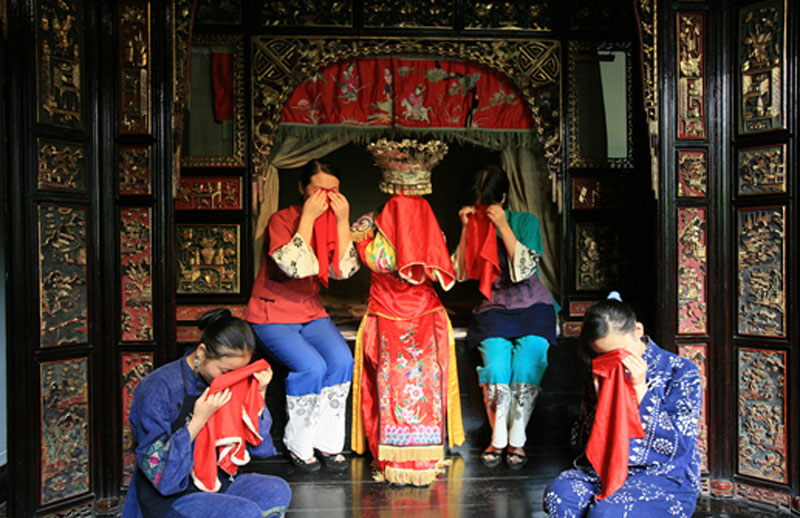 Bride-Must-Cry-Tearful-Wedding-Traditions-of-Tujia-people-in-China-1.jpg